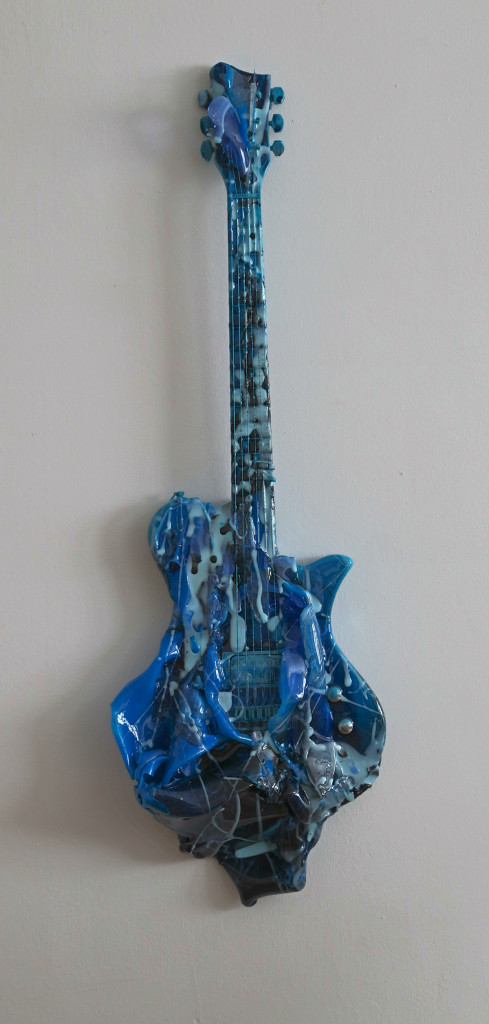 blue  guitar   TN 2014