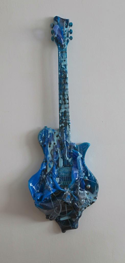 blue  guitar   TN 2014